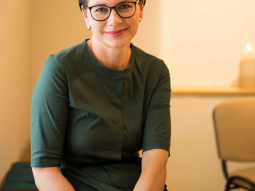 Dr. Larissa Winter